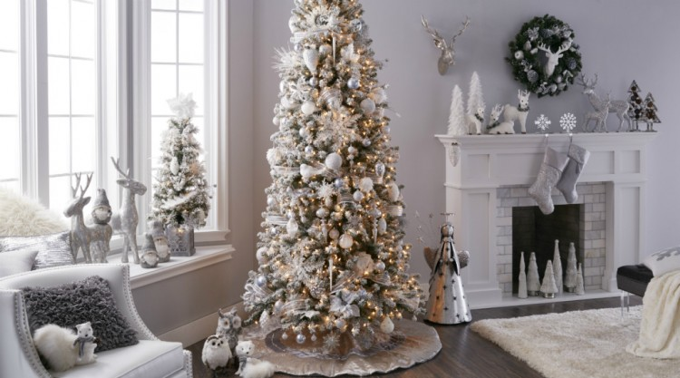Themed_Christmas_Snowcapped_Scene_Crystal_Chateau_small-1024x569