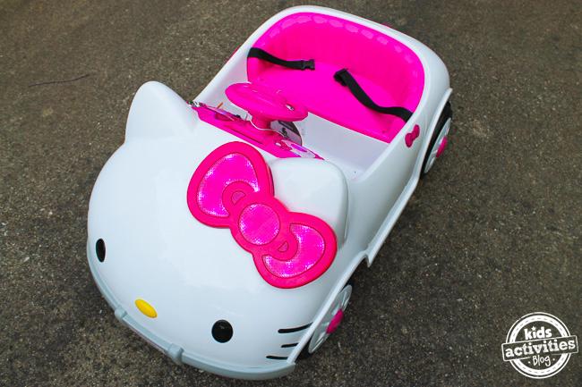 Hello Kitty Car 2