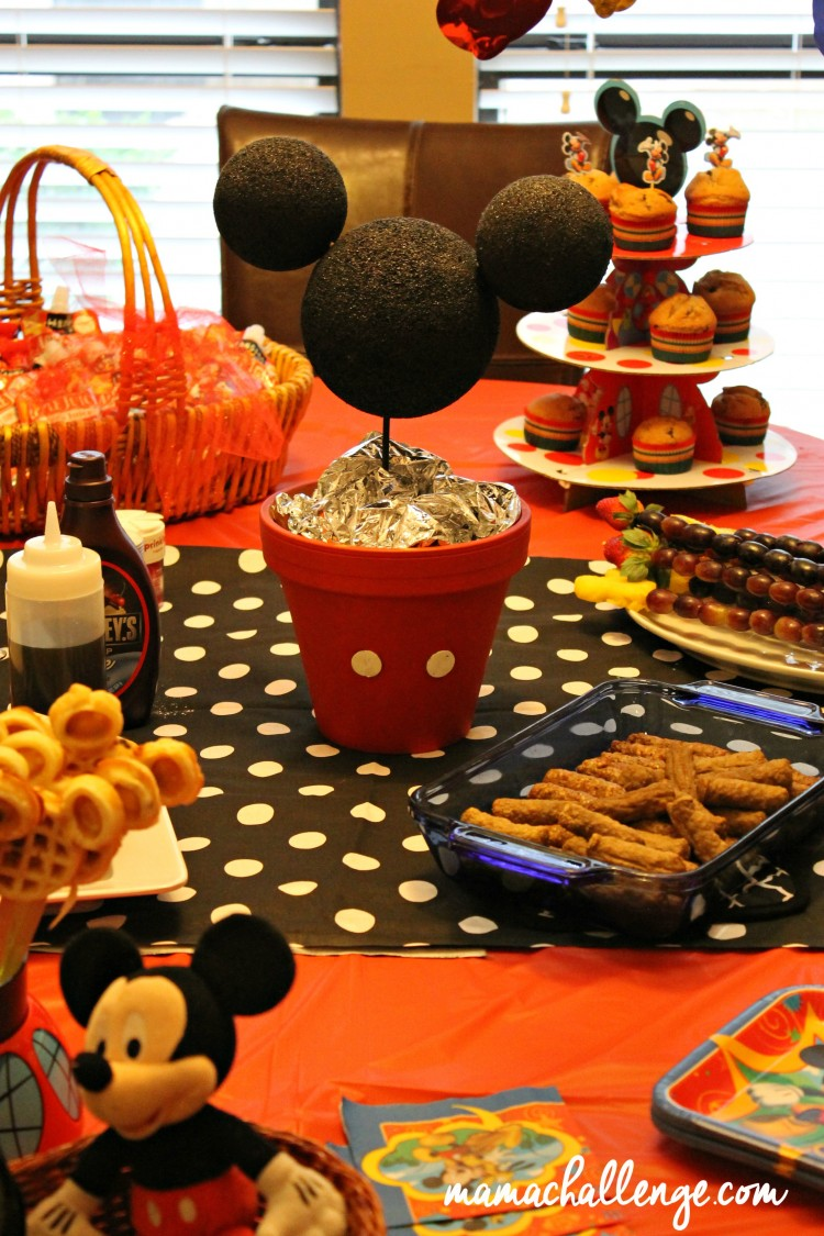 Disney-Side-Mickey-Table
