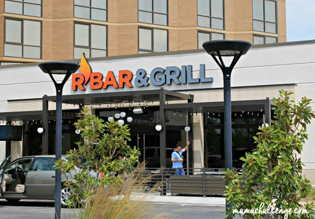 R-Bar-Entrance-620x432