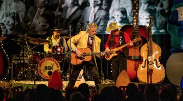 Merry Christmas with Robert Earl Keen